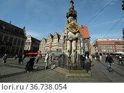 """Germany, Bremen - The Roland, a landmark of the Hanseatic city on the market square"" Редакционное фото, агентство Caro Photoagency / Фотобанк Лори"