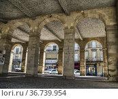 Market halle, Cadillac, Gironde Department, Nouvelle-Aquitaine, France... Стоковое фото, фотограф Ian Cook / age Fotostock / Фотобанк Лори
