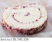 Cottage cheese roll with cranberries. Стоковое фото, фотограф Яков Филимонов / Фотобанк Лори
