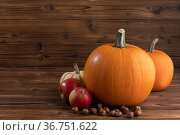 Pumpkins apples and nuts. Стоковое фото, фотограф Иван Михайлов / Фотобанк Лори