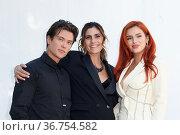 Benjamin Mascolo, Director Elisa Amoruso, and Bella Thorne during... Редакционное фото, фотограф Antonelli / AGF/Maria Laura Antonelli / age Fotostock / Фотобанк Лори