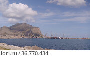 Monte Pellegrino, Palermo port, major port of passenger traffic in Mediterranean (2019 год). Стоковое видео, видеограф Ирина Мойсеева / Фотобанк Лори