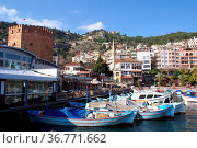 Port, red tower and castle in Alanya. Стоковое фото, фотограф Zoonar.com/Valeriy Shanin / age Fotostock / Фотобанк Лори