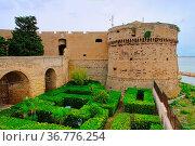 Taranto Festung - Taranto castle 01. Стоковое фото, фотограф Zoonar.com/Liane Matrisch / easy Fotostock / Фотобанк Лори