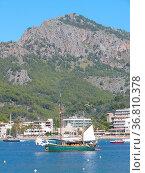 Port de Soller,schiff, segelschiff, nordküste, Mallorca, puerto de... Стоковое фото, фотограф Zoonar.com/Volker Rauch / easy Fotostock / Фотобанк Лори