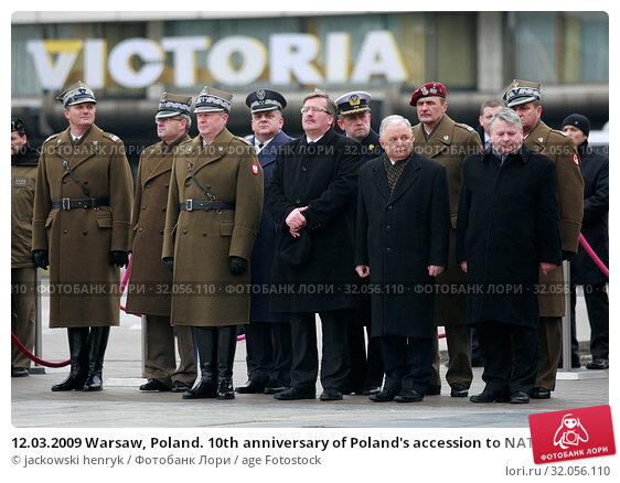 12.03.2009 Warsaw, Poland. 10th anniversary of Poland's accession to NATO. Pictured: President Lech Kaczynski, Bogdan Borusewicz, Bronislaw Komorowski. Редакционное фото, фотограф jackowski henryk / age Fotostock / Фотобанк Лори