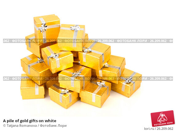 A pile of gold gifts on white, фото № 26209062, снято 18 августа 2012 г. (c) Tatjana Romanova / Фотобанк Лори