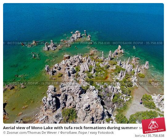 Aerial view of Mono Lake with tufa rock formations during summer season... Стоковое фото, фотограф Zoonar.com/Thomas De Wever / easy Fotostock / Фотобанк Лори