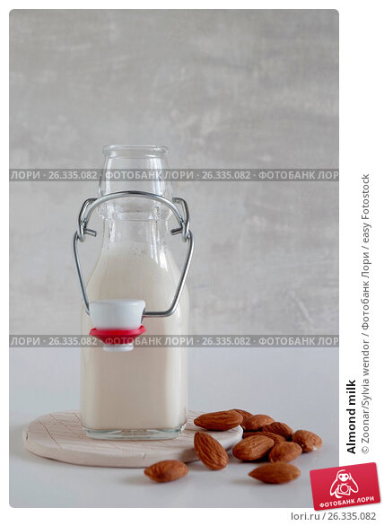 Almond milk, фото № 26335082, снято 19 августа 2017 г. (c) easy Fotostock / Фотобанк Лори