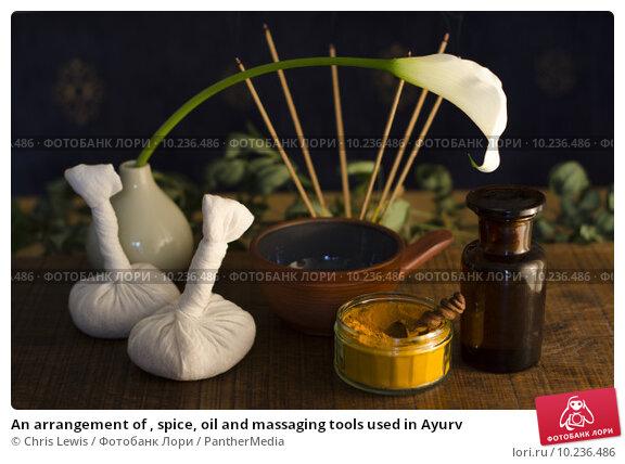 Купить «An arrangement of , spice, oil and massaging tools used in Ayurv», фото № 10236486, снято 26 апреля 2019 г. (c) PantherMedia / Фотобанк Лори
