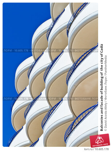 Balconies and facade of building of  the city of Cadiz. Стоковое фото, фотограф David Acosta Allely / PantherMedia / Фотобанк Лори