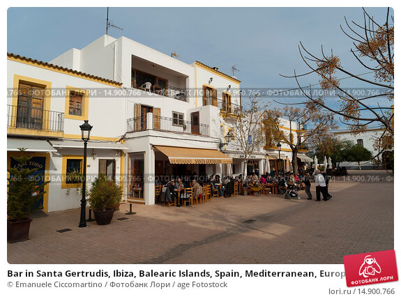 Купить «Bar in Santa Gertrudis, Ibiza, Balearic Islands, Spain, Mediterranean, Europe.», фото № 14900766, снято 20 июня 2018 г. (c) age Fotostock / Фотобанк Лори