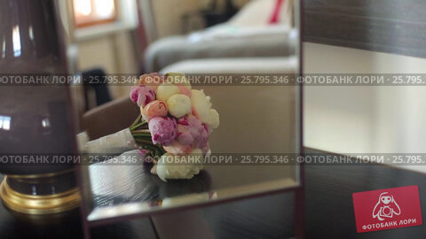 Bouquet with white and pink peonies, видеоролик № 25795346, снято 16 марта 2016 г. (c) Алексей Макаров / Фотобанк Лори