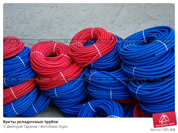 Купить «Бухты укладочных трубок», фото № 331266, снято 20 июня 2008 г. (c) Дмитрий Тарасов / Фотобанк Лори