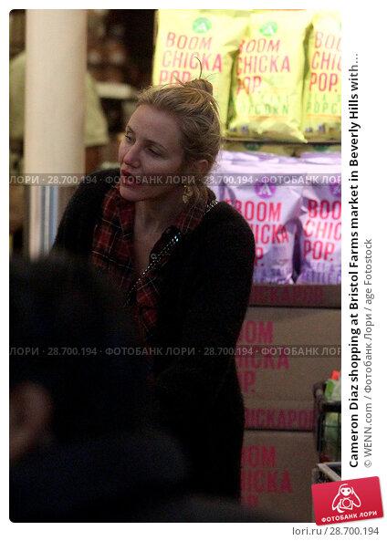 Купить «Cameron Diaz shopping at Bristol Farms market in Beverly Hills with her husband Benji Madden Featuring: Cameron Diaz Where: Los Angeles, California, United States When: 27 Dec 2016 Credit: WENN.com», фото № 28700194, снято 27 декабря 2016 г. (c) age Fotostock / Фотобанк Лори