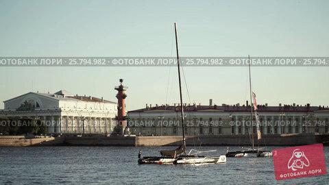 Centre of Saint-Petersburg, Russia: River Neva, видеоролик № 25794982, снято 1 марта 2016 г. (c) Алексей Макаров / Фотобанк Лори