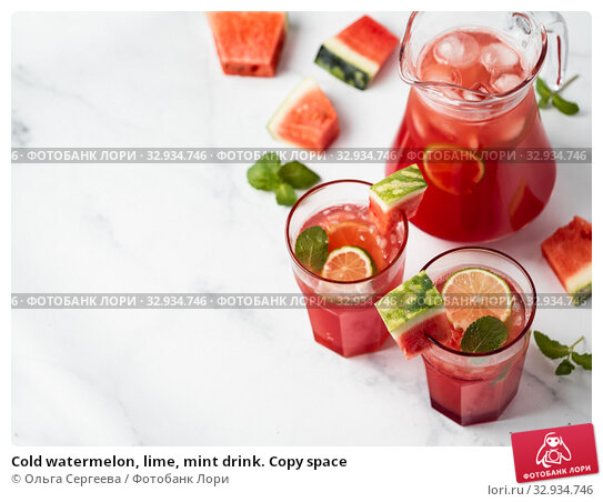 Купить «Cold watermelon, lime, mint drink. Copy space», фото № 32934746, снято 21 октября 2019 г. (c) Ольга Сергеева / Фотобанк Лори