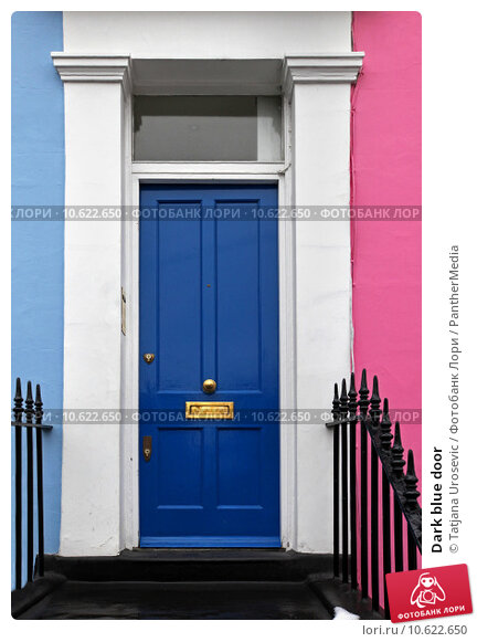 Dark blue door. Стоковое фото, фотограф Tatjana Urosevic / PantherMedia / Фотобанк Лори