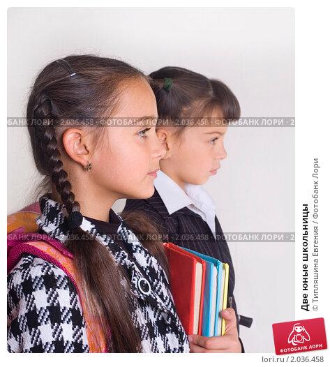 Юнные школьницы враздевалке видео 0 фотография