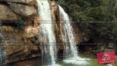 Купить «El Torrent de la Cabana small mountain stream with crystal clear water», видеоролик № 30272474, снято 23 марта 2018 г. (c) Яков Филимонов / Фотобанк Лори
