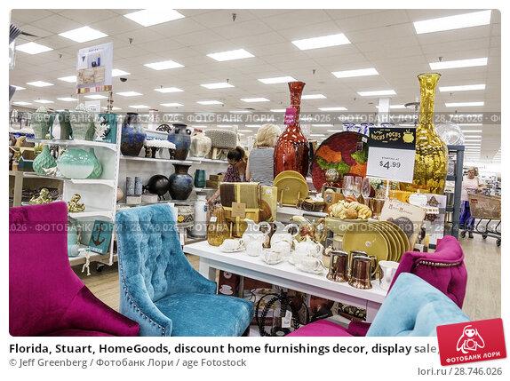 Купить «Florida, Stuart, HomeGoods, discount home furnishings decor, display sale, shopping, interior, pottery, chairs,», фото № 28746026, снято 27 сентября 2017 г. (c) age Fotostock / Фотобанк Лори