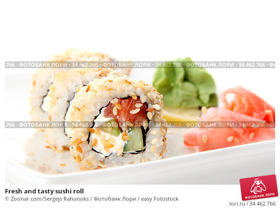 Fresh and tasty sushi roll. Стоковое фото, фотограф Zoonar.com/Sergejs Rahunoks / easy Fotostock / Фотобанк Лори
