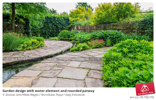 Garden design with water element and rounded patway. Стоковое фото, фотограф Zoonar.com/Hilda Weges / easy Fotostock / Фотобанк Лори