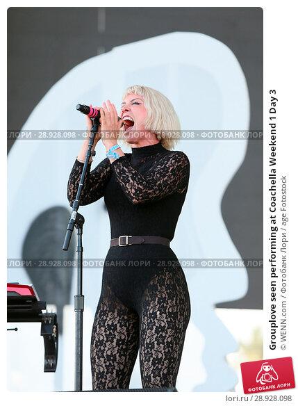 Купить «Grouplove seen performing at Coachella Weekend 1 Day 3 Featuring: Hannah Cooper Where: Indio, California, United States When: 17 Apr 2017 Credit: WENN.com», фото № 28928098, снято 17 апреля 2017 г. (c) age Fotostock / Фотобанк Лори