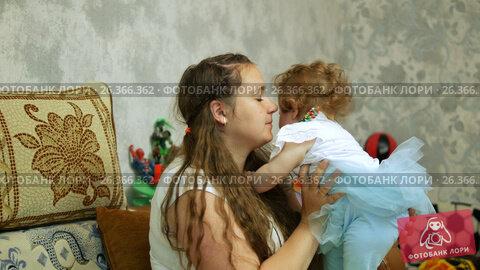 Happy baby in her favorite house, видеоролик № 26366362, снято 22 мая 2017 г. (c) Константин Мерцалов / Фотобанк Лори
