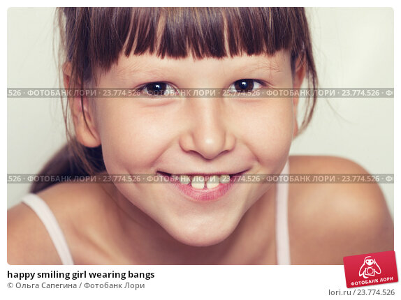 Купить «happy smiling girl wearing bangs», фото № 23774526, снято 29 августа 2012 г. (c) Ольга Сапегина / Фотобанк Лори
