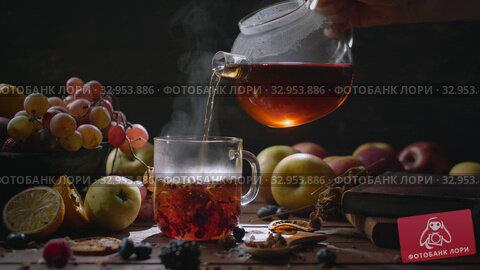 Homey still life with hot tea. Стоковое видео, видеограф Данил Руденко / Фотобанк Лори