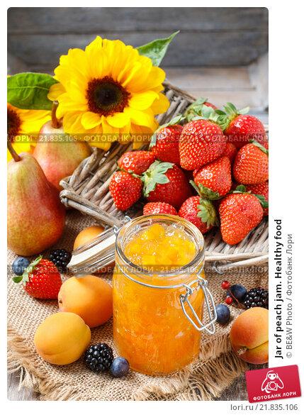 Купить «Jar of peach jam. Healthy food», фото № 21835106, снято 22 апреля 2019 г. (c) BE&W Photo / Фотобанк Лори