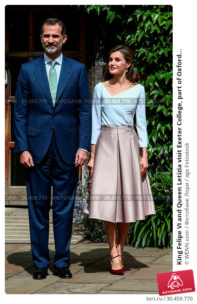 King Felipe VI and Queen Letizia visit Exeter College, part of Oxford... (2017 год). Редакционное фото, фотограф WENN.com / age Fotostock / Фотобанк Лори