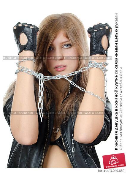 Красивые фото девушек со связанными руками — photo 13