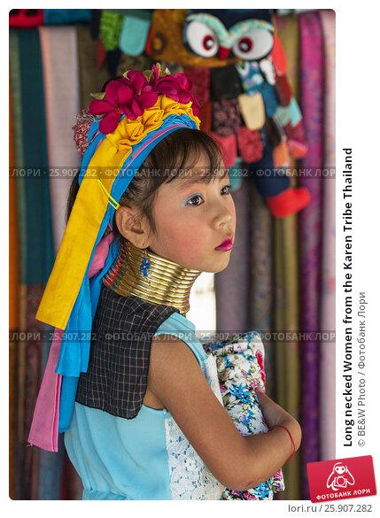 Купить «Long necked Women from the Karen Tribe Thailand», фото № 25907282, снято 20 апреля 2019 г. (c) BE&W Photo / Фотобанк Лори