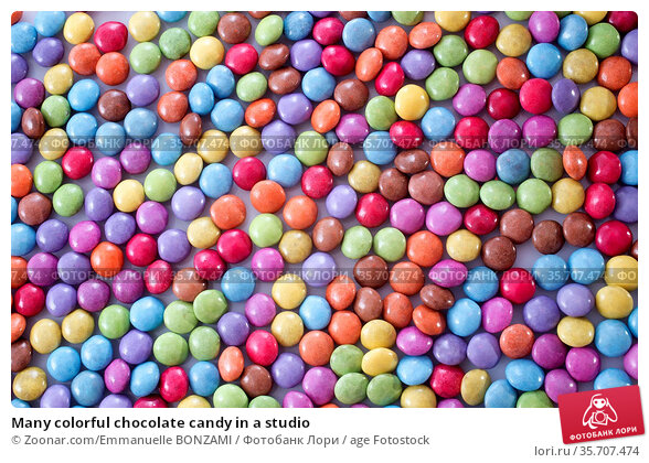Many colorful chocolate candy in a studio. Стоковое фото, фотограф Zoonar.com/Emmanuelle BONZAMI / age Fotostock / Фотобанк Лори