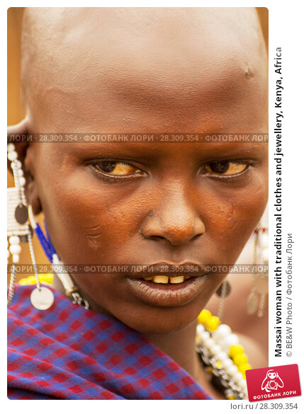 Купить «Massai woman with traditional clothes and jewellery, Kenya, Africa», фото № 28309354, снято 11 декабря 2018 г. (c) BE&W Photo / Фотобанк Лори