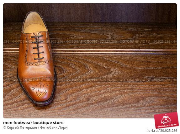 Купить «men footwear boutique store», фото № 30925286, снято 24 июня 2019 г. (c) Сергей Петерман / Фотобанк Лори