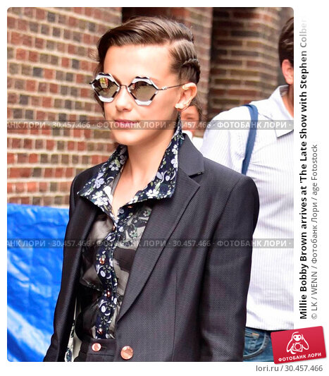 Millie Bobby Brown arrives at 'The Late Show with Stephen Colbert... (2017 год). Редакционное фото, фотограф LK / WENN / age Fotostock / Фотобанк Лори