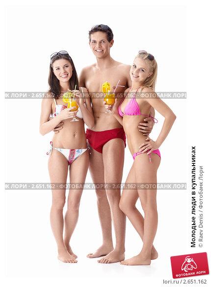 Молодые в купальниках фото 536-241