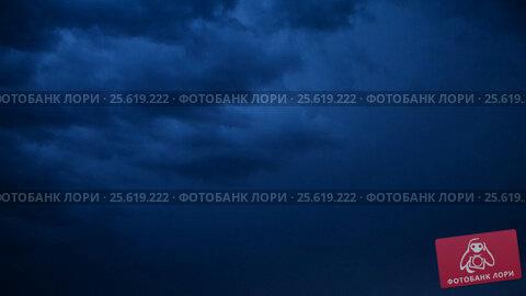 Купить «Night storm out of the city, summer», видеоролик № 25619222, снято 26 февраля 2017 г. (c) Mikhail Erguine / Фотобанк Лори