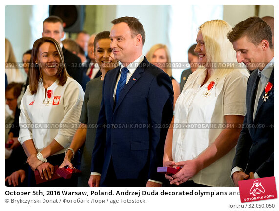 October 5th, 2016 Warsaw, Poland. Andrzej Duda decorated olympians and paralympians. Редакционное фото, фотограф Brykczynski Donat / age Fotostock / Фотобанк Лори