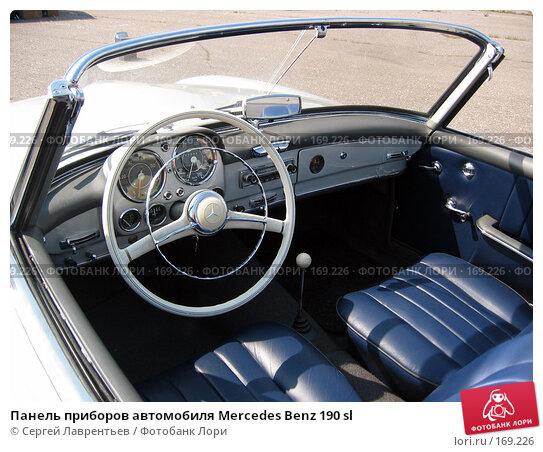 Панель приборов автомобиля Mercedes Benz 190 sl, фото № 169226, снято 5 июля 2003 г. (c) Сергей Лаврентьев / Фотобанк Лори