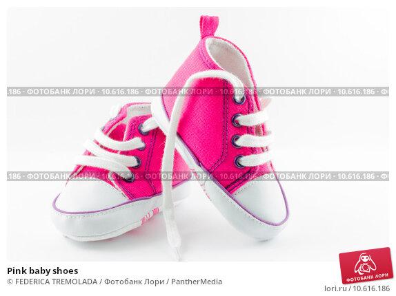 Pink baby shoes. Стоковое фото, фотограф FEDERICA TREMOLADA / PantherMedia / Фотобанк Лори