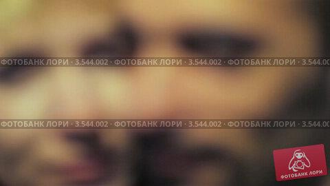 Купить «Портрет мужчины и женщины», видеоролик № 3544002, снято 28 октября 2009 г. (c) Losevsky Pavel / Фотобанк Лори