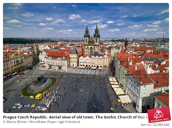 Prague Czech Republic. Aerial view of old town. The Gothic Church of Our Lady before Tyn in Old Town Square. Стоковое фото, фотограф Marco Brivio / age Fotostock / Фотобанк Лори