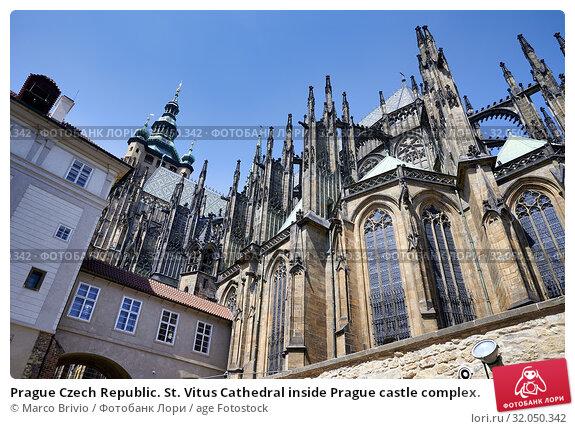 Prague Czech Republic. St. Vitus Cathedral inside Prague castle complex. Стоковое фото, фотограф Marco Brivio / age Fotostock / Фотобанк Лори