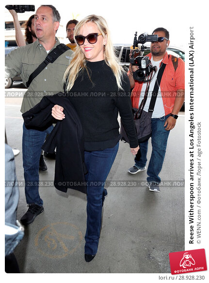 Купить «Reese Witherspoon arrives at Los Angeles International (LAX) Airport Featuring: Reese Witherspoon Where: Los Angeles, California, United States When: 17 Apr 2017 Credit: WENN.com», фото № 28928230, снято 17 апреля 2017 г. (c) age Fotostock / Фотобанк Лори