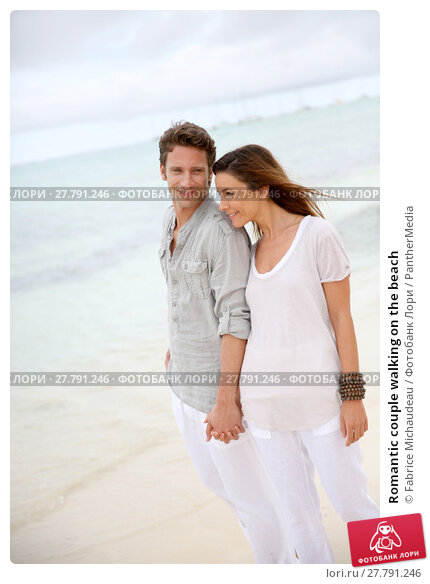 Купить «Romantic couple walking on the beach», фото № 27791246, снято 16 октября 2018 г. (c) PantherMedia / Фотобанк Лори