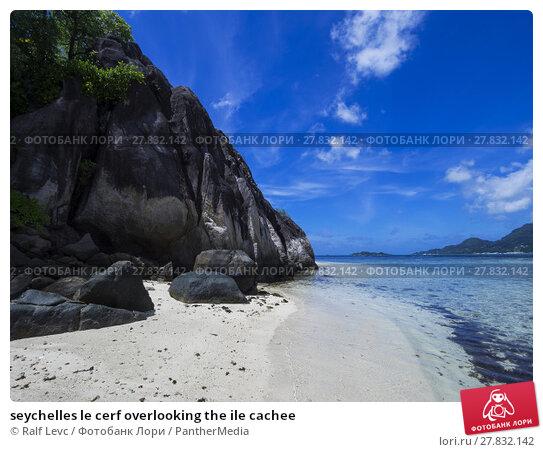 Купить «seychelles le cerf overlooking the ile cachee», фото № 27832142, снято 20 февраля 2018 г. (c) PantherMedia / Фотобанк Лори